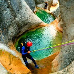 Descenso-barranco-Mascun-Superior-Barranquismo-Sierra-de-Guara-Guías-de-Barrancos-Canyoning-Canyon-Guides-Mendi-eta-arroila-gidariak-Arroila-jeitsiera-WEB-5